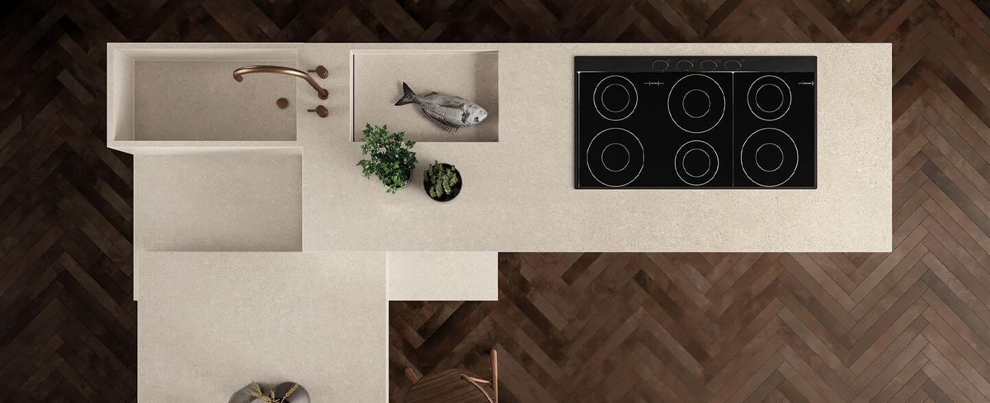 Küchenblock von oben in weisser Keramik