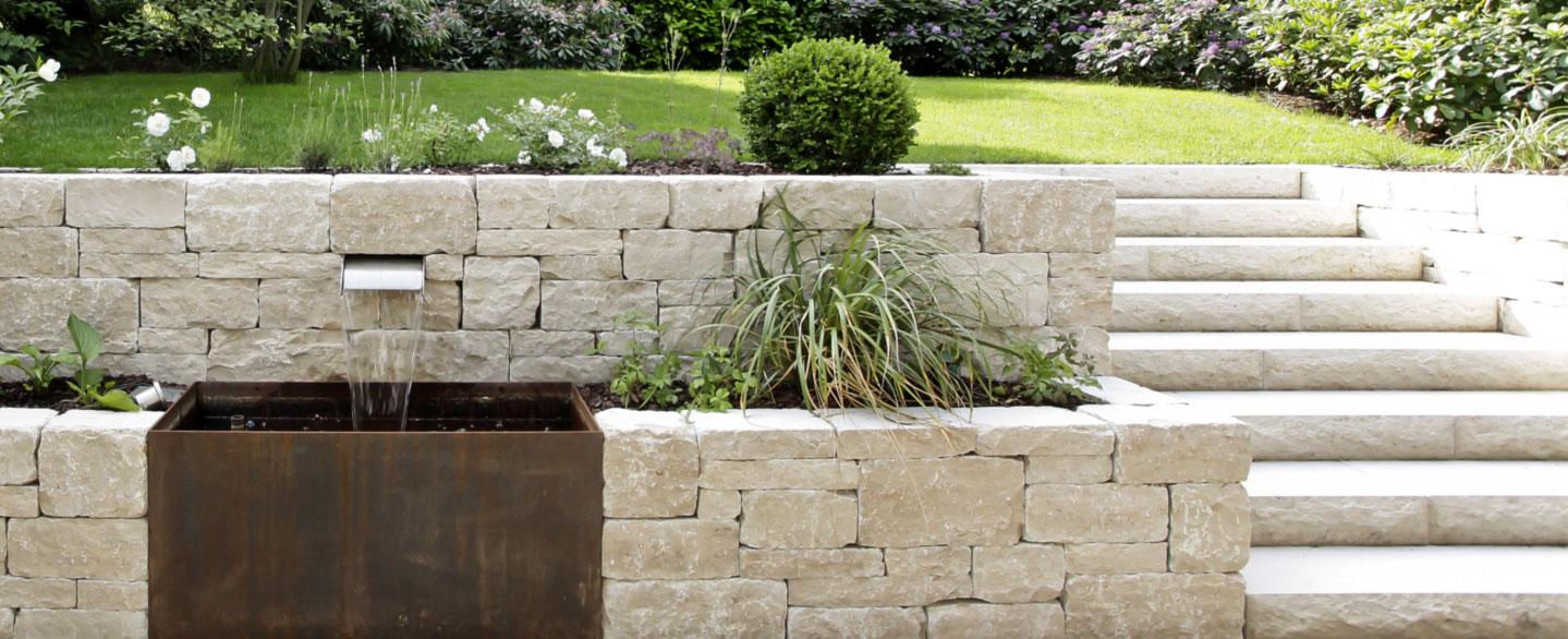 Außentreppe aus Naturstein & Keramik   Blockstufen & Belagstreppen