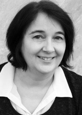Anne Meesemaecker arbeitet bei der Dinger Stone GmbH und ist für die Angebots- und Auftragserstellung für Frankreich zuständig