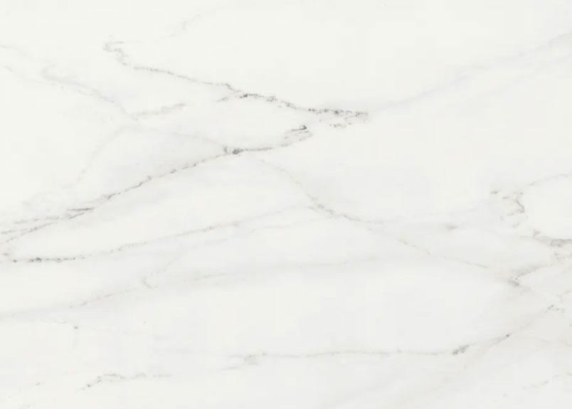 Detailansicht der hellen Keramik Rohplatte Dekton REM mit leicht bräunlichen Adern
