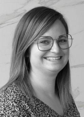 Isabelle Omont arbeitet im Bereich Angebots- und Auftragsabwicklung für Frankreich bei der Dinger Stone GmbH i