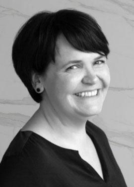 Katja Boos arbeitet bei Dinger Stone und ist im Einkauf tätig
