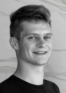 Niklas Flamm ist Auszubildender Kaufmann für Büromanagement der Firma Dinger Stone