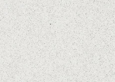 Detailansicht einer hellen Quarzplatte namens Stellar White mit körnigem Muster