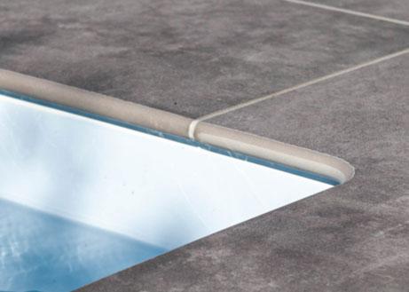 Poolrandplatte aus grauer Keramik mit runder Kante
