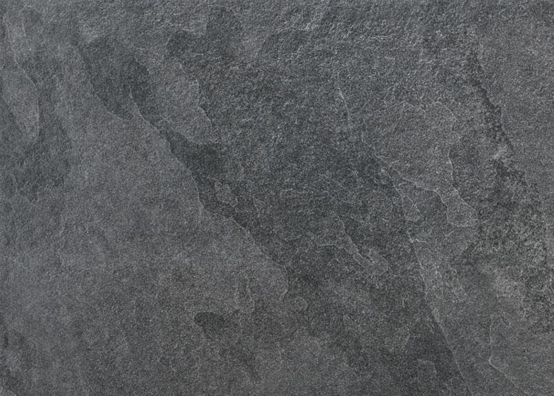 schwarze Keramik Terrassenplatte in Schieferoptik