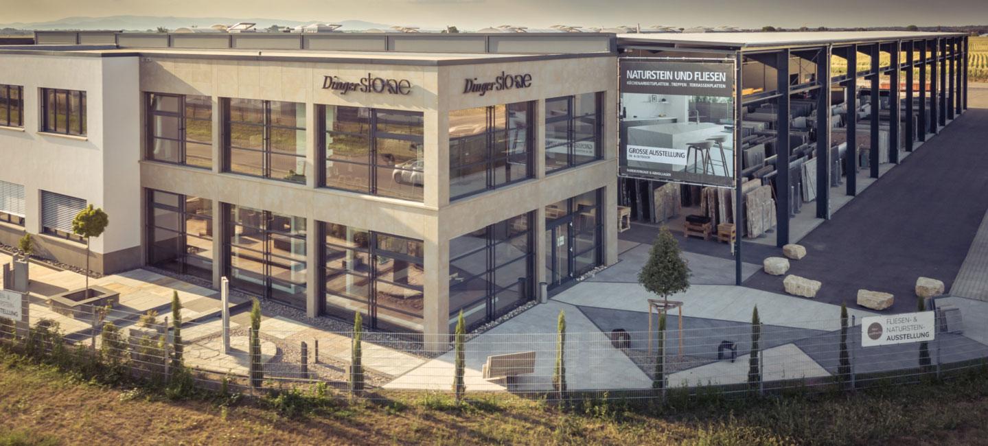 Dinger Stone Firmengebäude und Natursteinplatten-Lager von oben