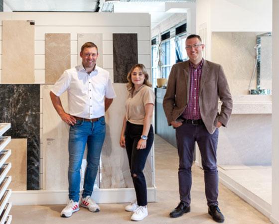 Robert Maier, Regine Binz und Michael Huhle sind die Ansprechpartner der Dinger Stone GmbH im Bereich Fliesen