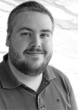 Martin Walther arbeitet in der Arbeitsvorbereitung (CAD) bei Dinger Stone.